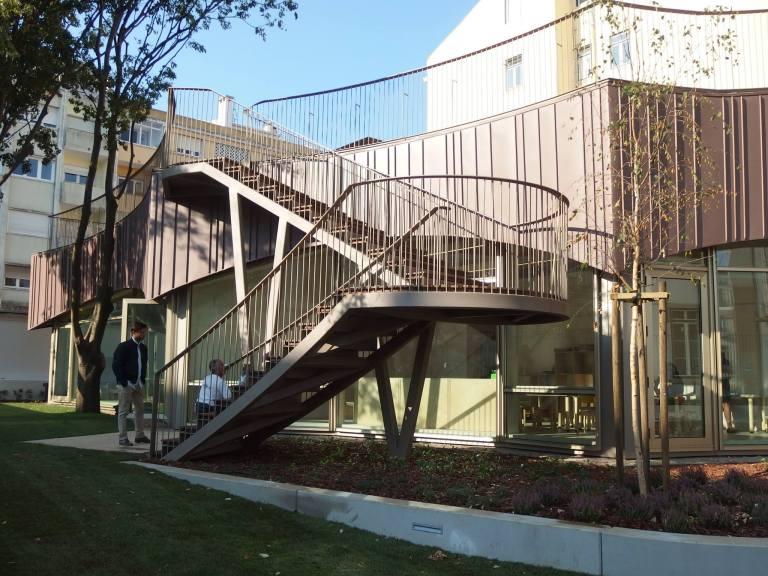 Maior-edifício-português-em-madeira-com-assinatura-do-atelier-ARX5.jpg